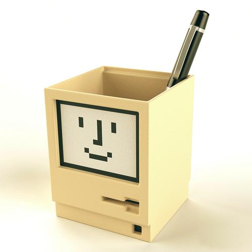 tumblr milh2am5sQ1qiqf01o1 500 Apple Macintosh Pen Holder