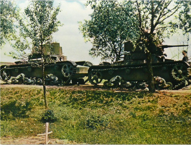 Eastern Front in Color Photos 1942 3 650x492 Eastern Front in Color Photos, 1942
