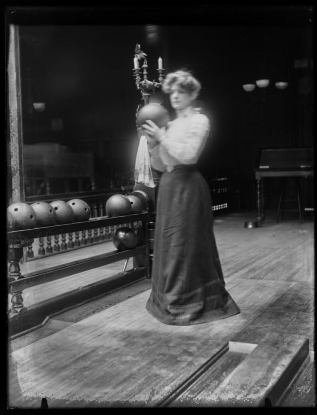 Women Bowling ca. 1900 1 650x851 Women Bowling, ca. 1900