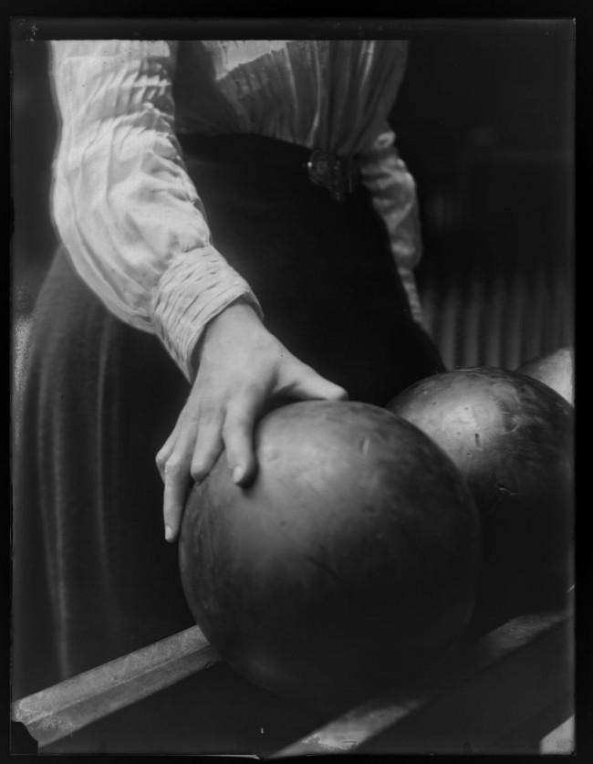 Women Bowling ca. 1900 3 650x837 Women Bowling, ca. 1900