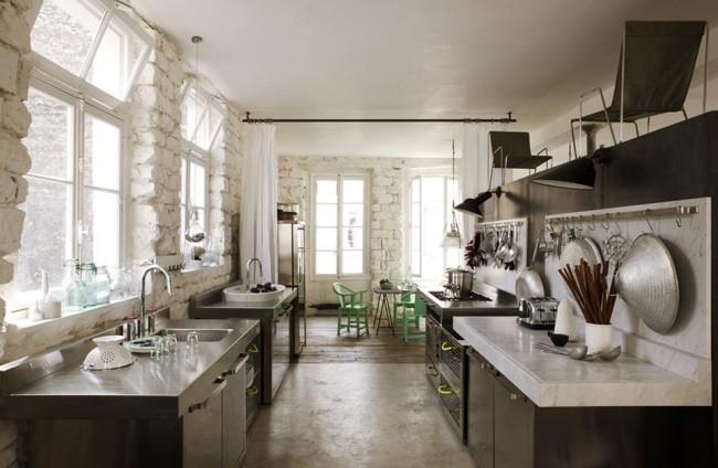 paola navone paris apartment 7b 650x424 Paola Navones Amazing Parisian Loft