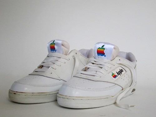 tumblr mi0vclFNUB1qiqf01o1 500 Vintage Apple 90's Sneakers