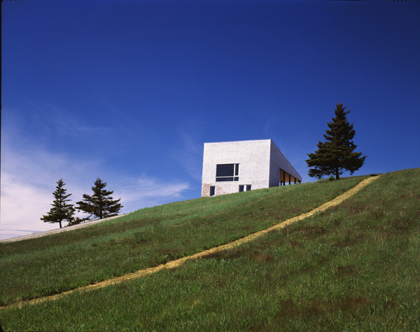 105 Hill House in Nova Scotia by MacKay Lyons Sweetapple Architects