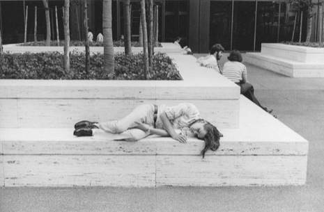 New York City 1976 Photos of People Sleeping in Public in New York City, 1970′s