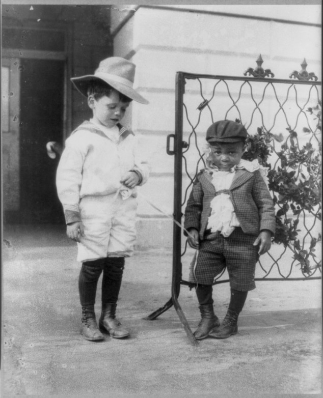 Quentin Roosevelt and Roswell Pinckney 02 Interesting Photograps of Theodore Roosevelt's Youngest Son Quentin Playing with His Friend, 1902