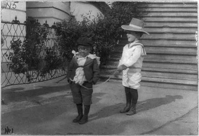 Quentin Roosevelt and Roswell Pinckney 05 Interesting Photograps of Theodore Roosevelt's Youngest Son Quentin Playing with His Friend, 1902