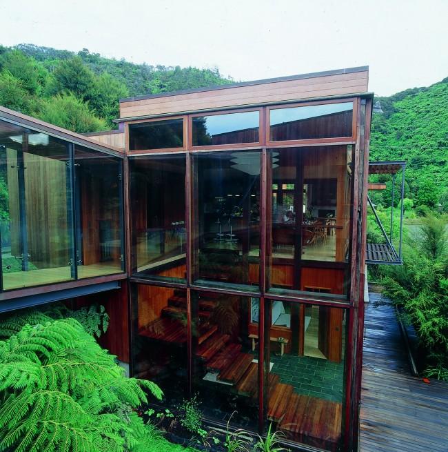 hfaj3cbjh6ecvbyi 650x655 Waterfall Bay House by Bossley Architects