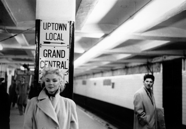 Marilyn Monroe by Ed Feingersh 4 650x453 Photos of Marilyn Monroe in Four Days in New York, 1955 by Ed Feingersh