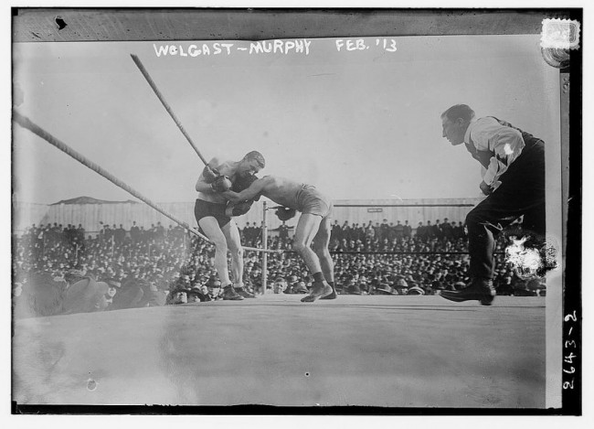 Old Photos of Boxing 100 Years Ago 1 650x469 Old Photos of Boxing 100 Years Ago