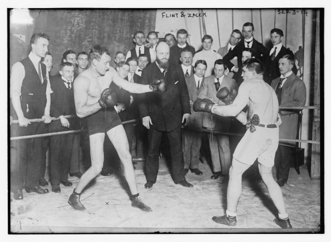 Old Photos of Boxing 100 Years Ago 2 650x475 Old Photos of Boxing 100 Years Ago