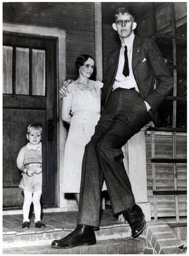 Robert Wadlow 11 650x882 Photos of Robert Wadlow   The Tallest Person in History