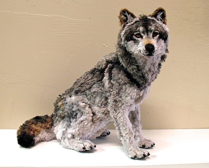 laurenryanpipecleanersculptures1 1 Incredibly Realistic Animal Sculptures Made of Pipe Cleaners