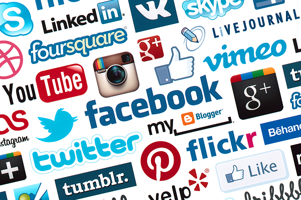 social media1 Spark Off Your Career as a Well Known Blogger