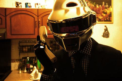 tumblr mn5xhkqok21qiqf01o1 500 Daft Punk Helmet Replica