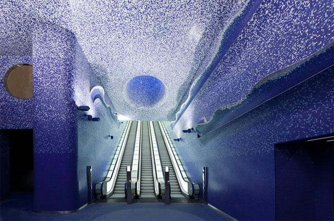 432 Toledo Metro Station by Oscar Tusquets Blanca