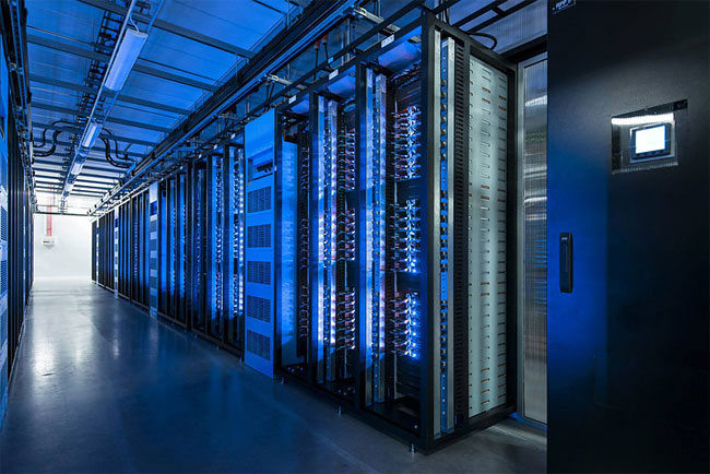 922 Inside Facebook's Data Center Near the Arctic Circle