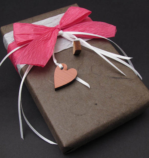 Chocolate Valentine1 Examples Of Creative Gift Wrapping Vital For Success Of Online Gift Stores