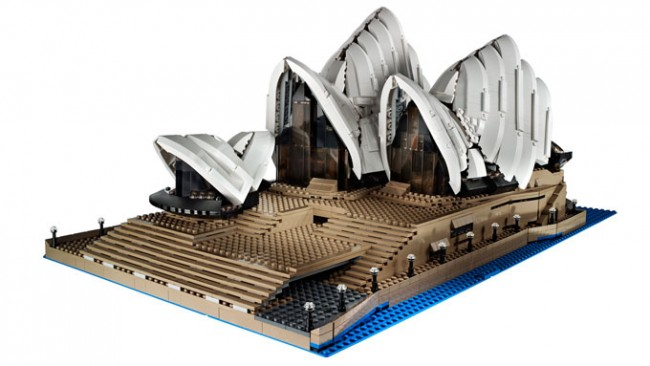 LEGO Sydney Opera House made of 2 989 bricks 650x366 LEGO Sydney Opera House made of 2,989 bricks
