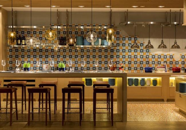 Hotel Indigo Aedas 04 650x454 Hotel Indigo Hong Kong Island