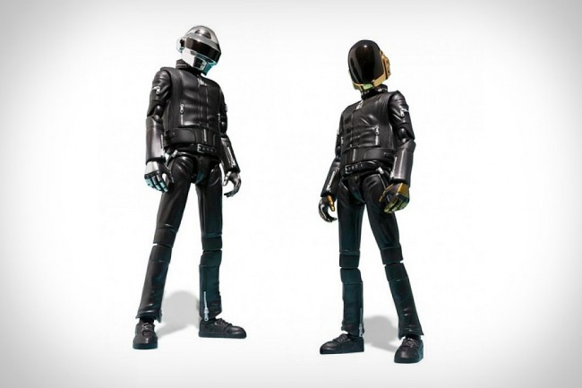 daft-punk-action-figures-large-650x433.jpg
