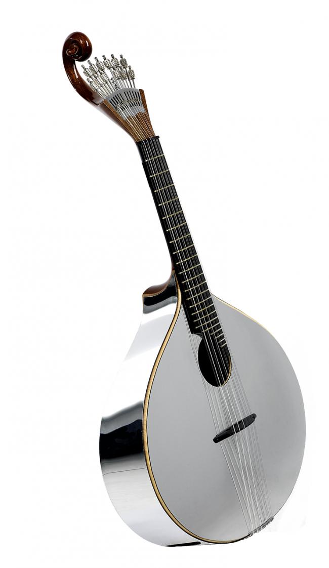 malabarana vidigal1 650x1122 Portuguese Art Guitar