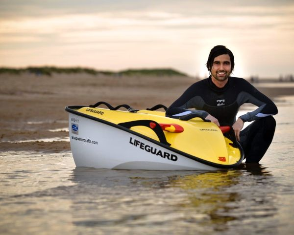 ASAP solar powered watercraft for rescue missions 2 ASAP lifeguard watercraft soaks up sun's energy to save lives