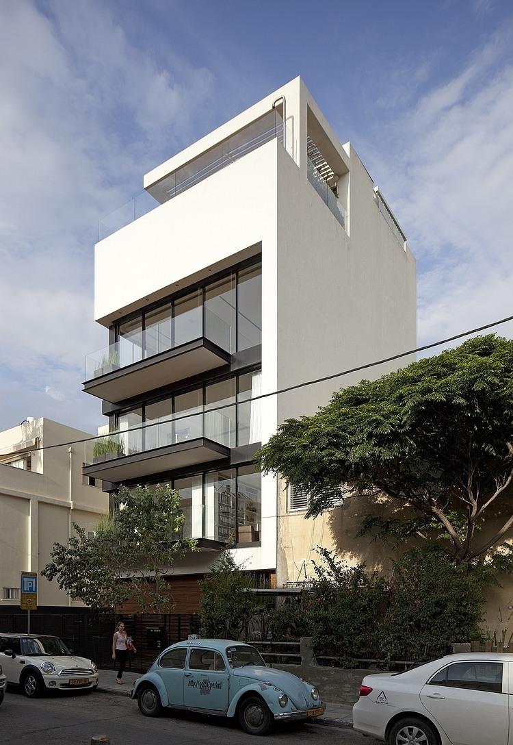 Tel Aviv Townhouse by Pitsou Kedem Architect » Design You Trust