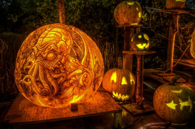 190904 10151250539142318 1447552590 o 650x430 Halloween Pumpkin Art of Movies13