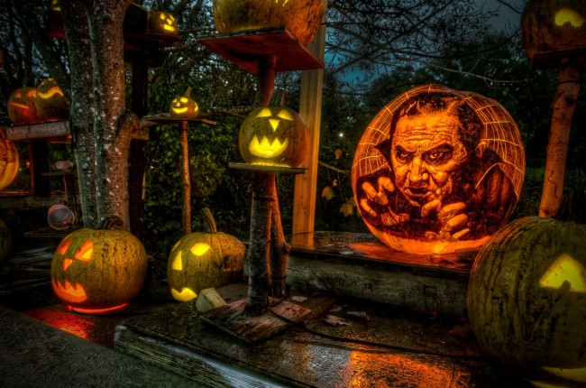 286937 10151250539642318 2026906736 o 650x430 Halloween Pumpkin Art of Movies13