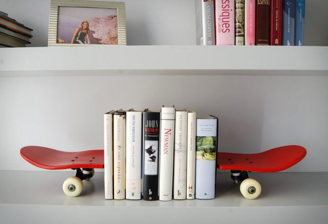 skate home tail nose bookends large 650x444 Tail and Nose Bookends | by Skate Home