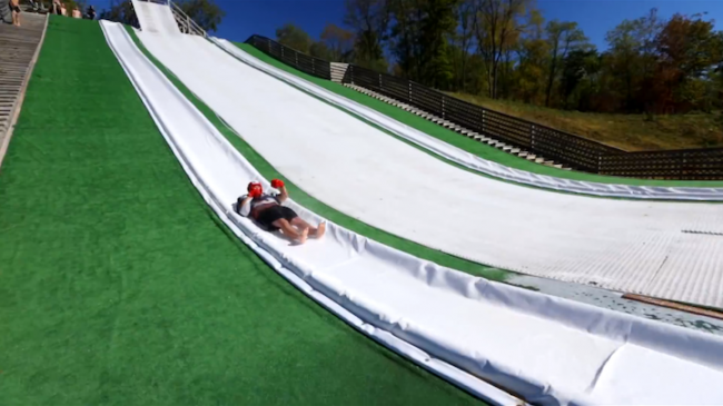 slipnfly6 650x365 Gigantic Custom Slip N Slide Ramp