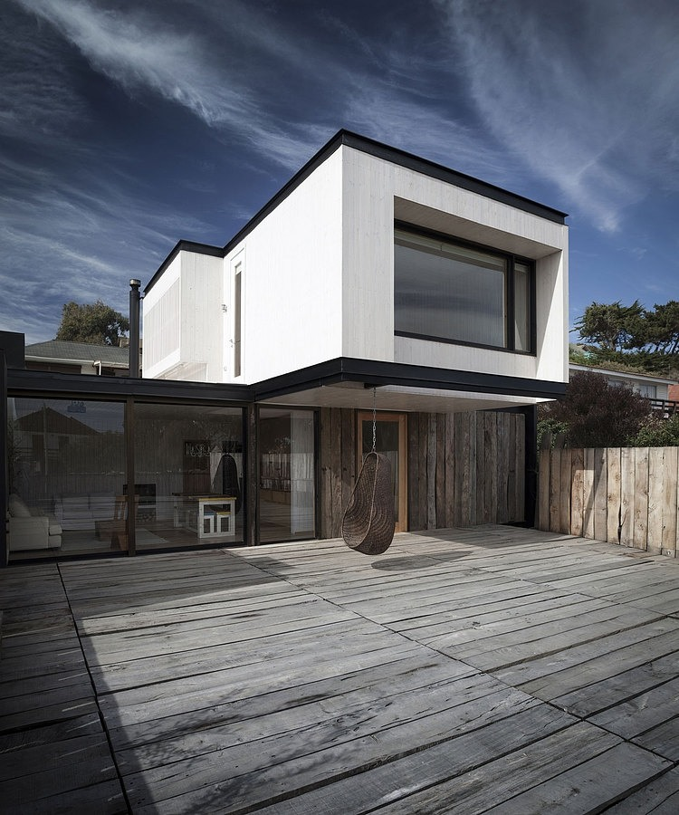 002 house juan pablo merino M House by Juan Pablo Merino