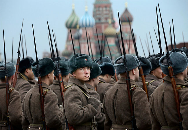 1131 Russian Military Parade Honors World War II Red Army