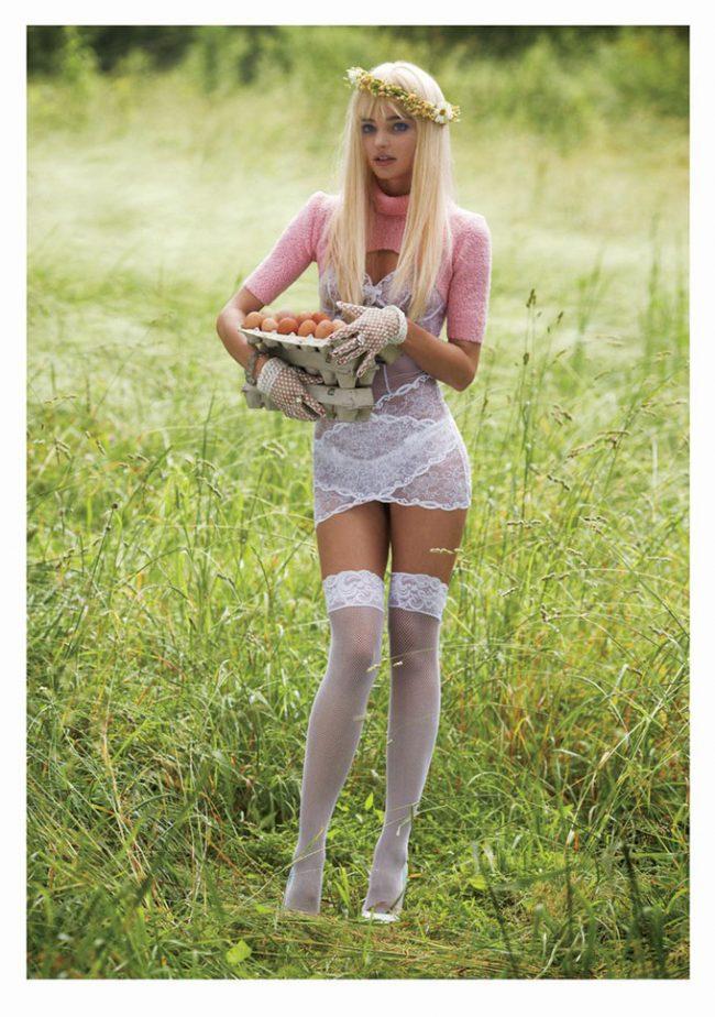 2IuU6sxhoXE 650x924 Miranda Kerr as Cicciolina for V Magazine