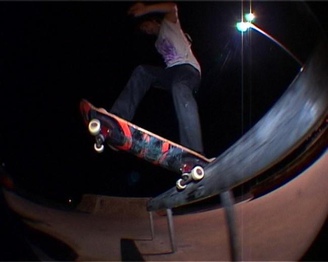 Dragon zoo 2 VX.Image fixe0171 650x5201 Dragon Zoo episode 2 French Skateboarding video.