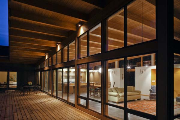 Hotchkiss Residence Scott Edwards Architecture 02 1 Kindesign Striking modern home nestled on the Columbia river