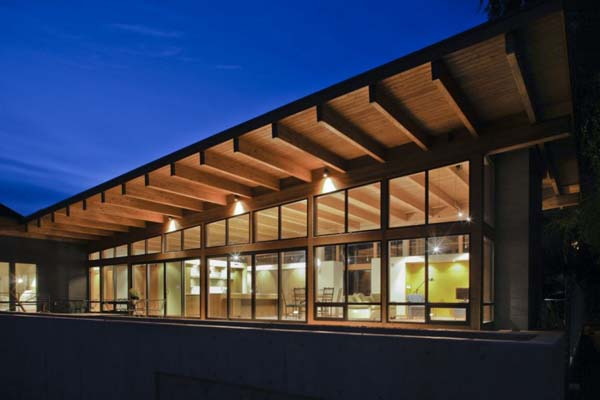Hotchkiss Residence Scott Edwards Architecture 03 1 Kindesign Striking modern home nestled on the Columbia river