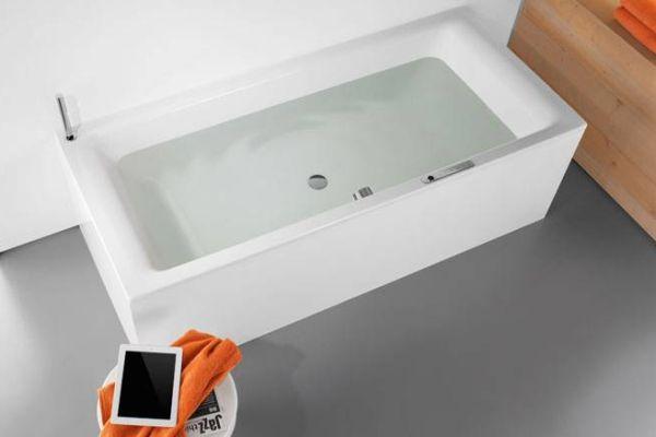 Sound wave turns bathtub into Bluetooth speaker Kaldewei Sound Wave turns bathtub into massive Bluetooth speaker
