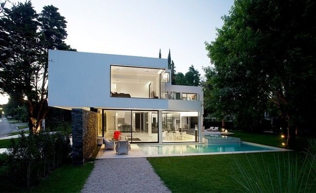carrara house by andres remy arquitecto 1 650x397 Outstanding Carrara House by Andres Remy Arquitectos