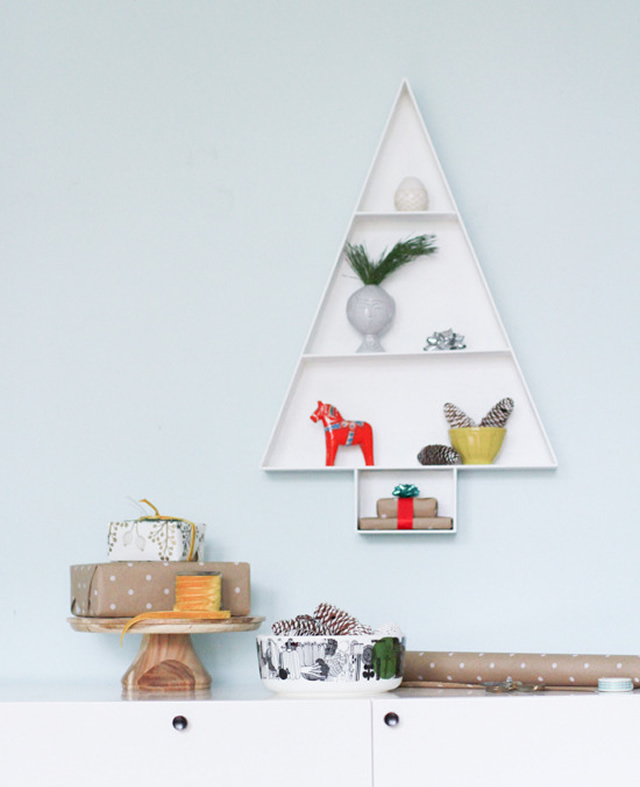 4o DIY Christmas Tree Shelf