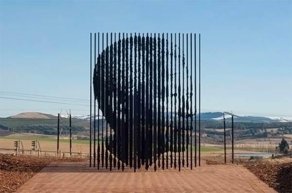 nelson mandela sculpture1 Nelson Mandela Monument