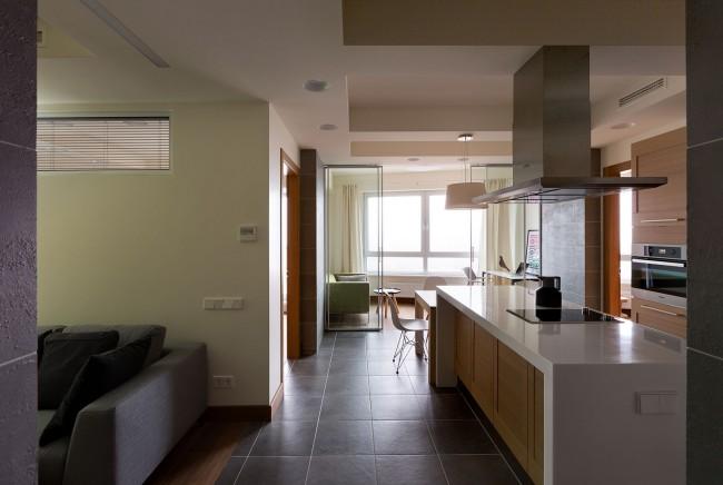 13 11 23 0671 650x436 Modern apartment by Irina Mayetnaya and Mikhail Golub in Kiev, Ukraine