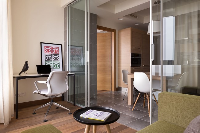 13 11 23 1043 650x433 Modern apartment by Irina Mayetnaya and Mikhail Golub in Kiev, Ukraine