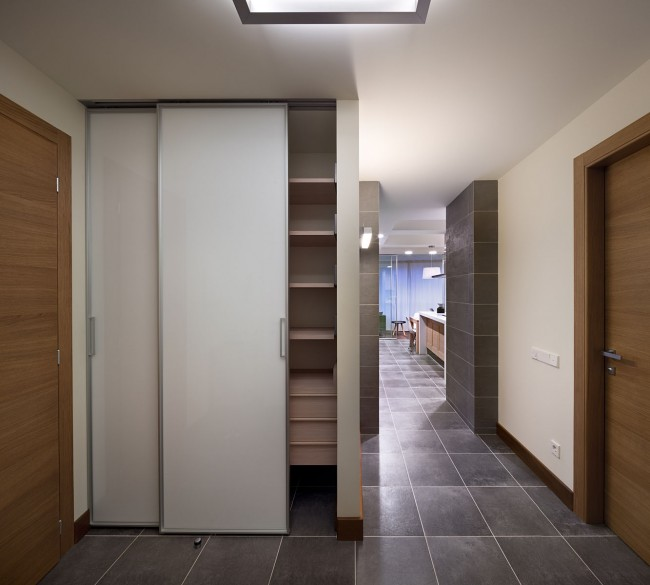 13 11 23 132 363 650x585 Modern apartment by Irina Mayetnaya and Mikhail Golub in Kiev, Ukraine