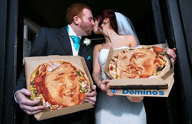 1301 Newlyweds Have Self Portrait Pizzas Made for Wedding Day