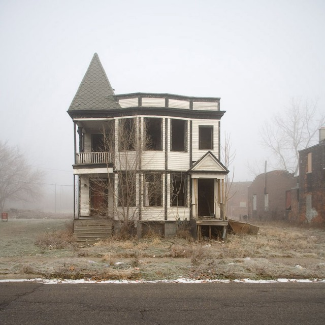 1319723399 0 640x640 100 Abandoned Houses by Kevin Bauman