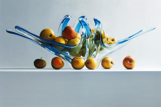1355127031 10 640x426 Photorealism in Mark Van Crombrugges Paintings
