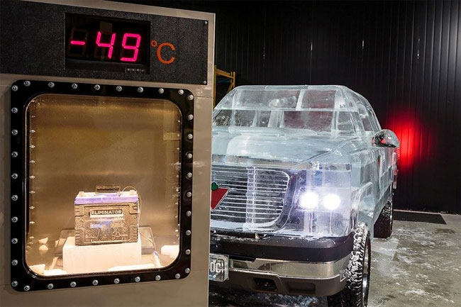 219 Fully Functional and Driveable Truck Made of Ice