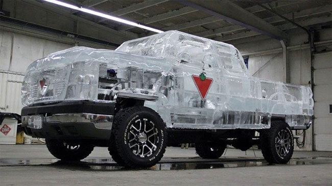 58 Fully Functional and Driveable Truck Made of Ice