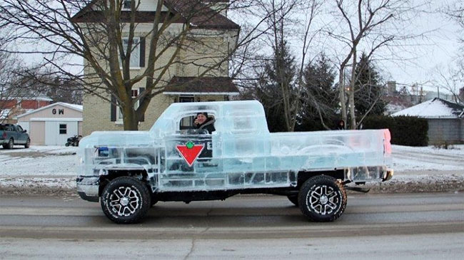 62 Fully Functional and Driveable Truck Made of Ice